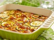 Рецепта Пролетна запеканка с кайма, морков, картофи, тиквички и кашкавал на фурна